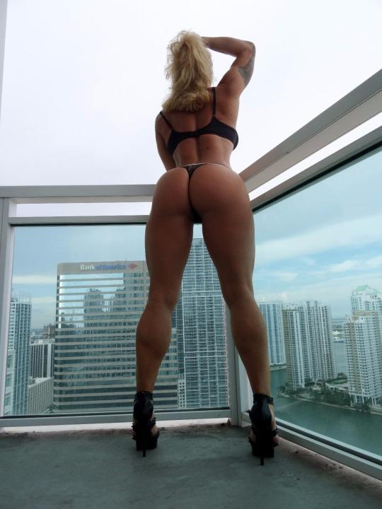 Виктория ломба секс фото