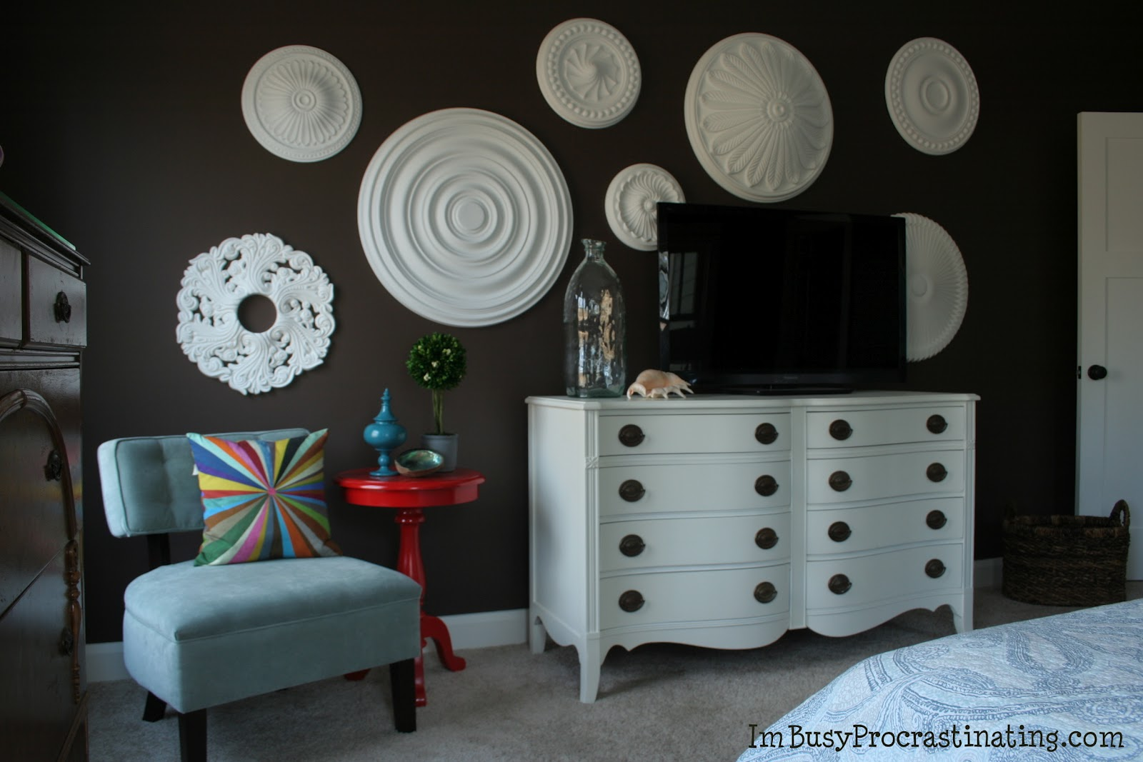 Stuck On Hue Ceiling Medallions Make A Big Statement As