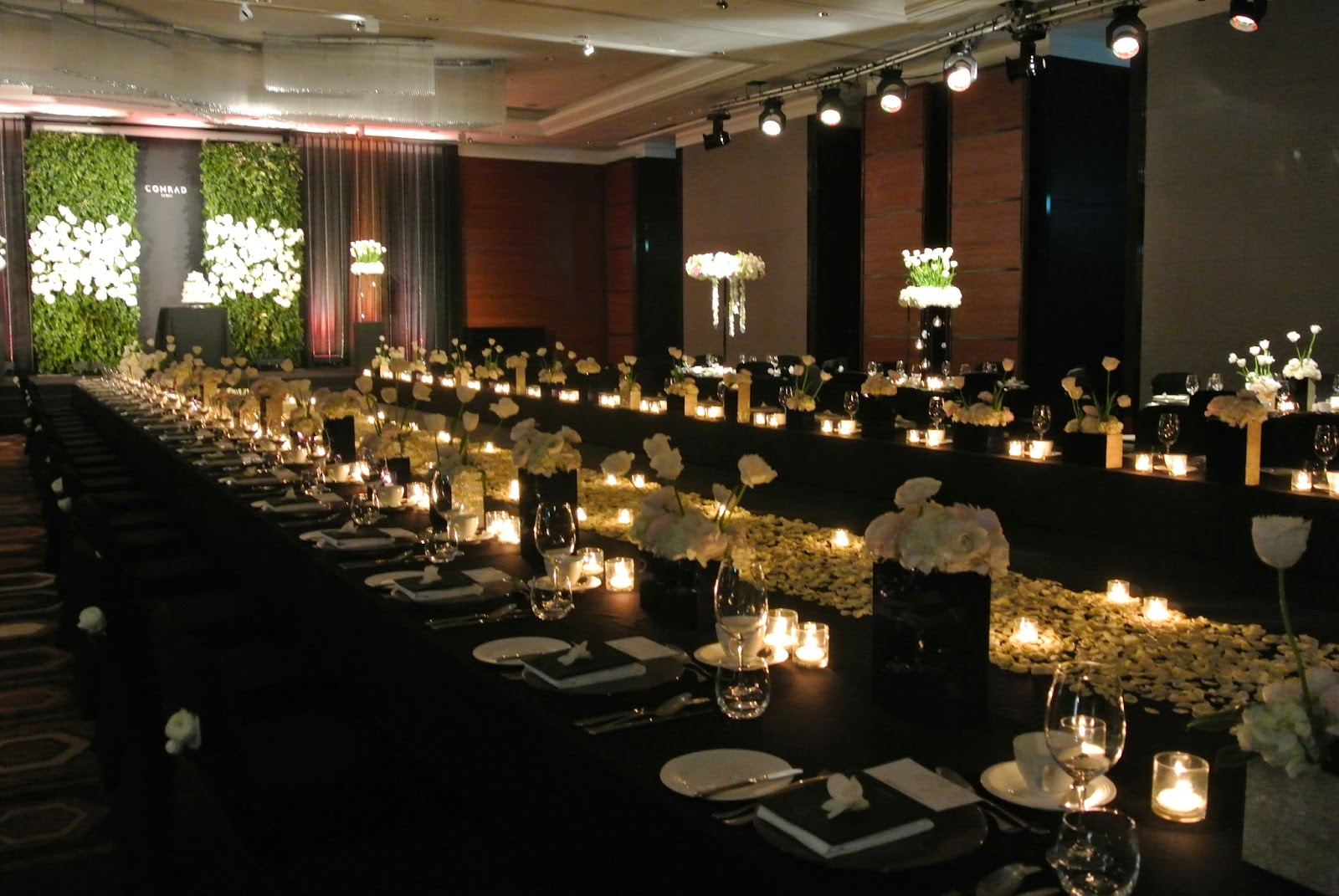Design your modern heritage wedding at conrad seoul koreabridge and because korean weddings of the past were usually held outdoors much greenery is incorporated into the stage to create a similar effect junglespirit Image collections