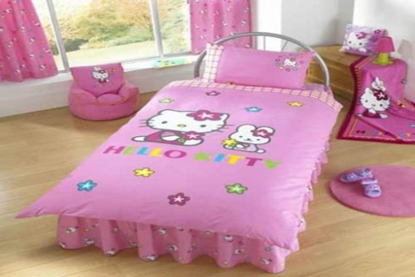 Hello kitty chambre bb photos chambre fille hello kitty for Chambre a coucher hello kitty