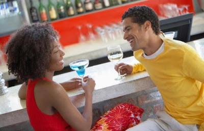 10 Things You Should Know After The First Date - happy romantic man and woman couple