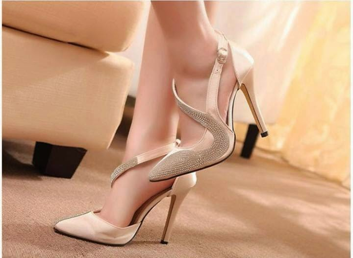d66c5eb7da2795 Western girls always choose the perfect and stylish fashion accessory which  improves their beauty. Heels are most important and trendy shoes and the  other ...