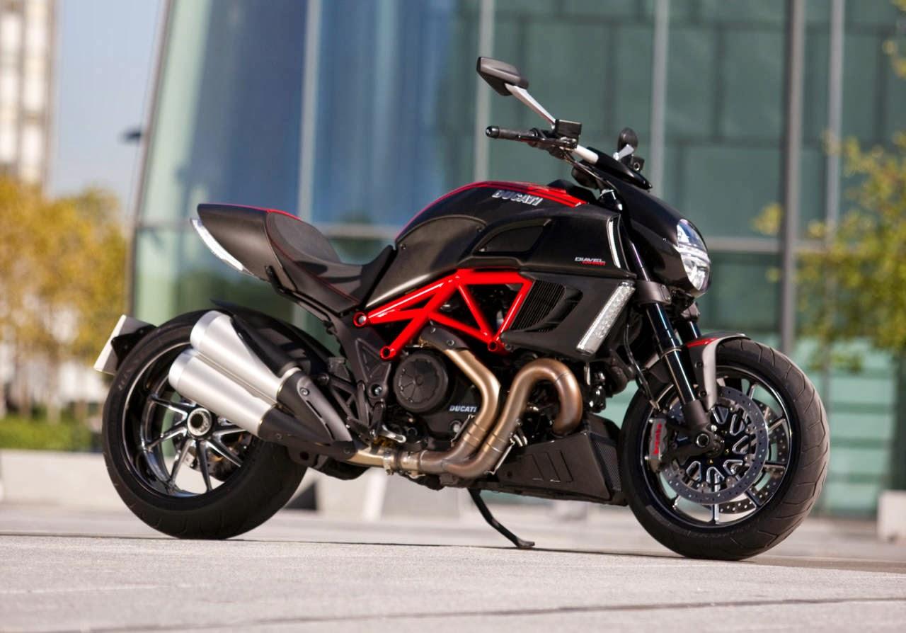 Ducati Diavel Carbon - Giá: 37,358 usd