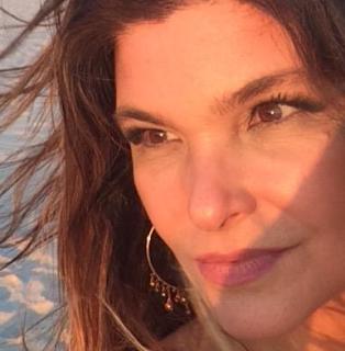 Atriz Cristiana Oliveira afirma não ter virado evangélica