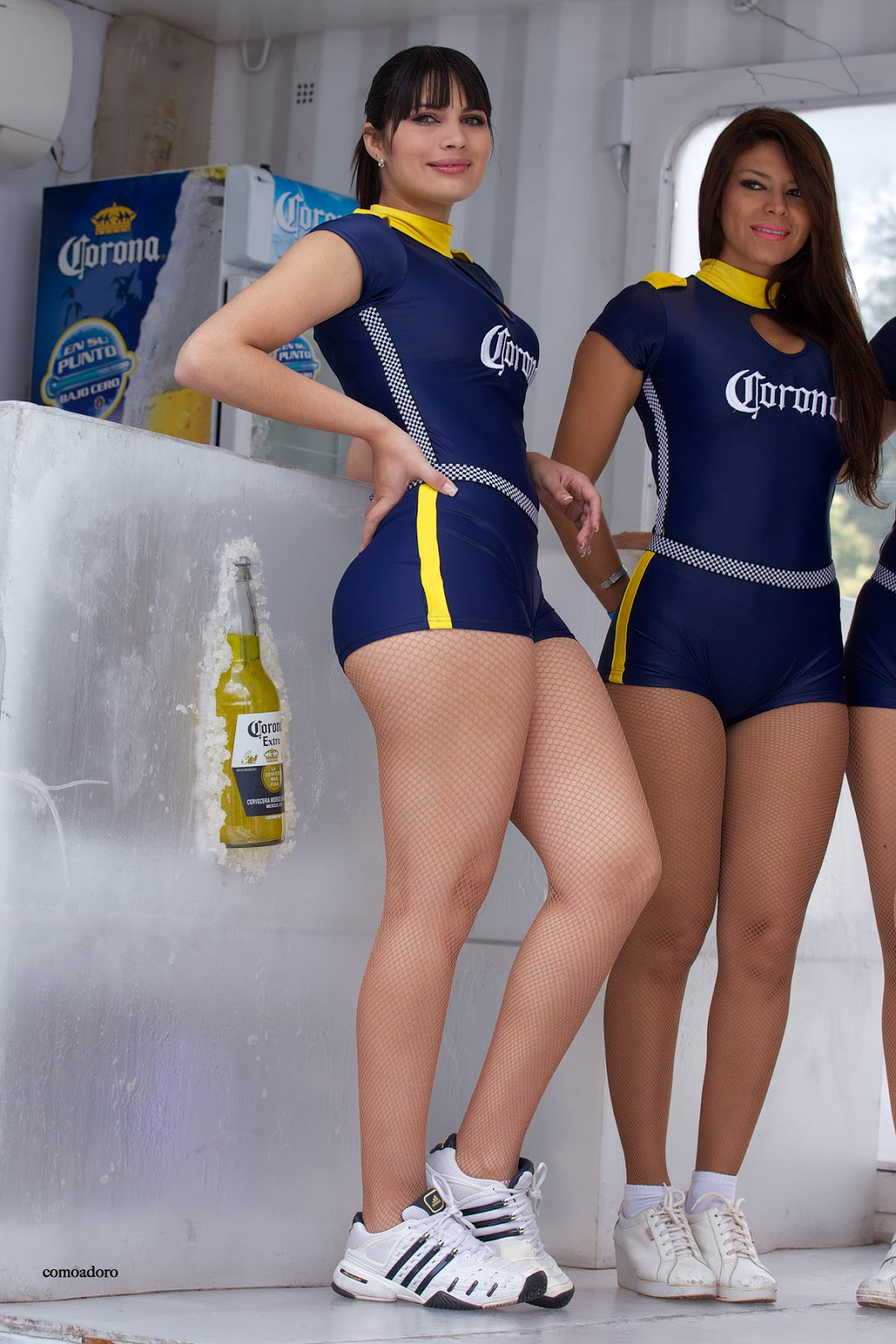 Hembras sexy en shorts de ciclismo ajustados