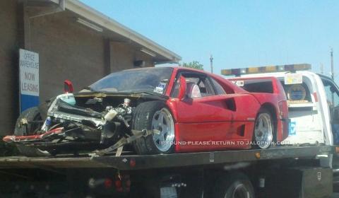 Car crash distrutta una ferrari f40 for La strada motors houston tx