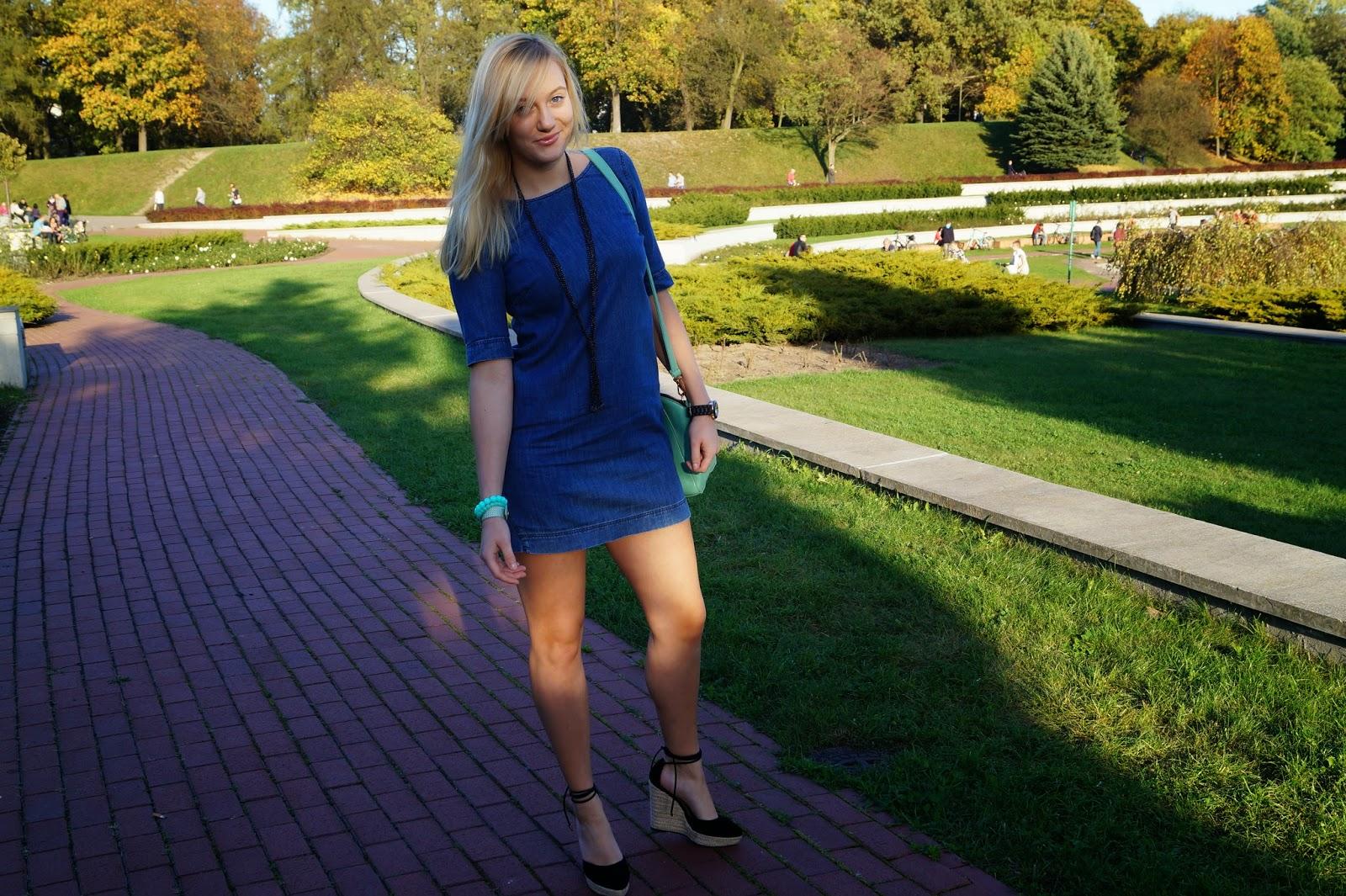 15. Jeans dress