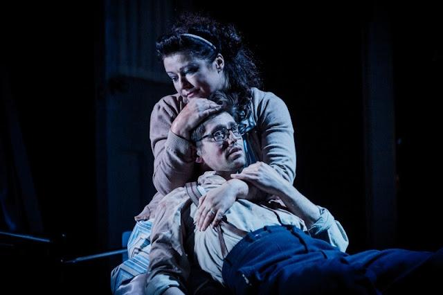 Carolyn Dobbin, Ed Ballard - Massenet Werther - English Touring Opera - photo Robert Workman
