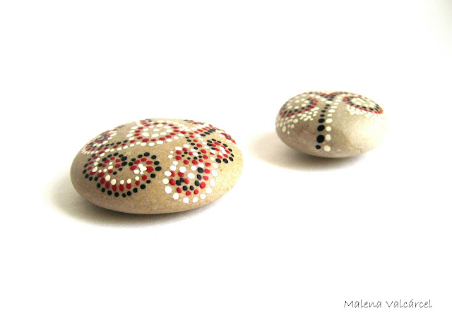 painted-beach-stones