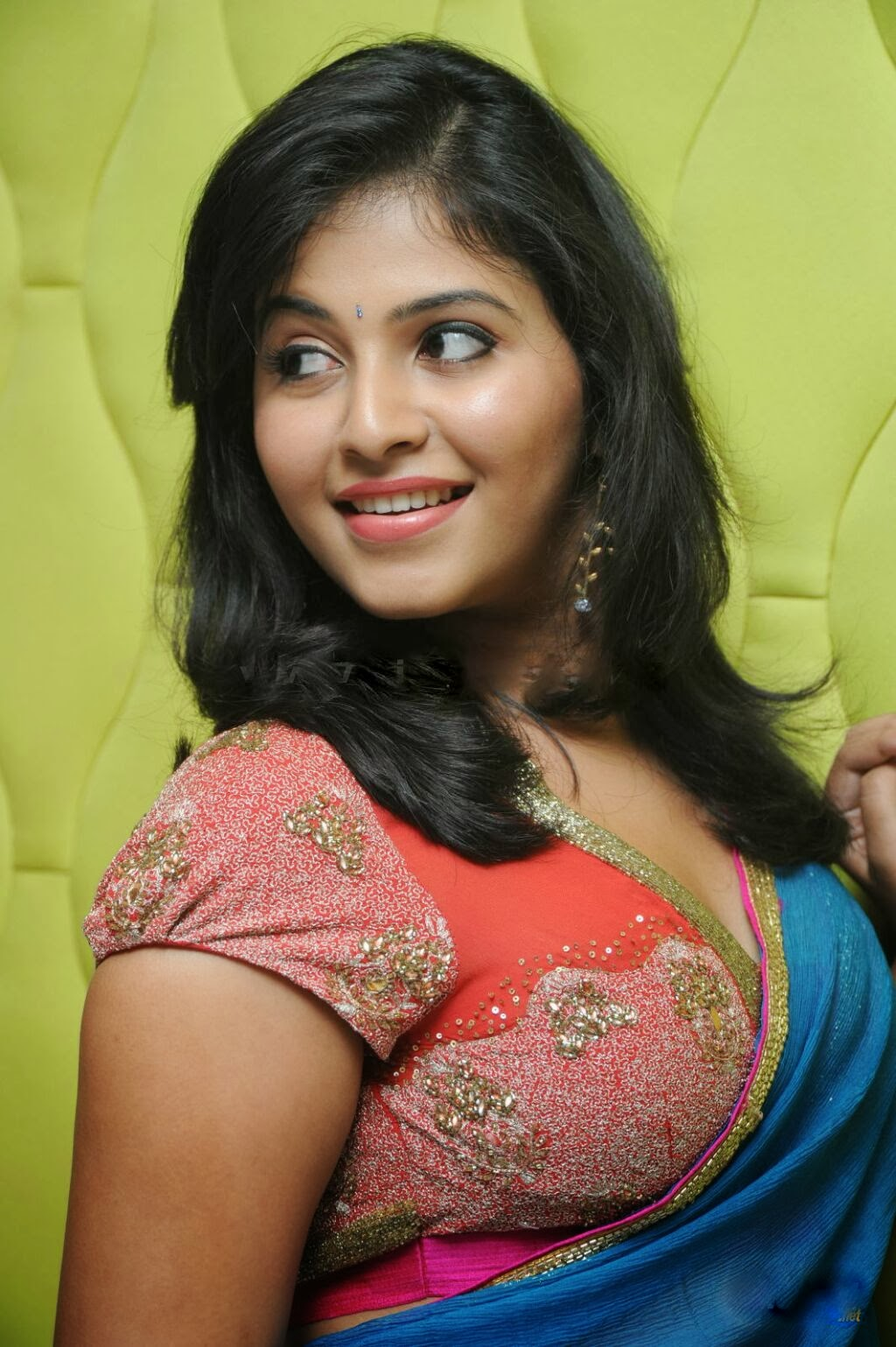 Anjali in red blouse, beautiful photos of Anjali