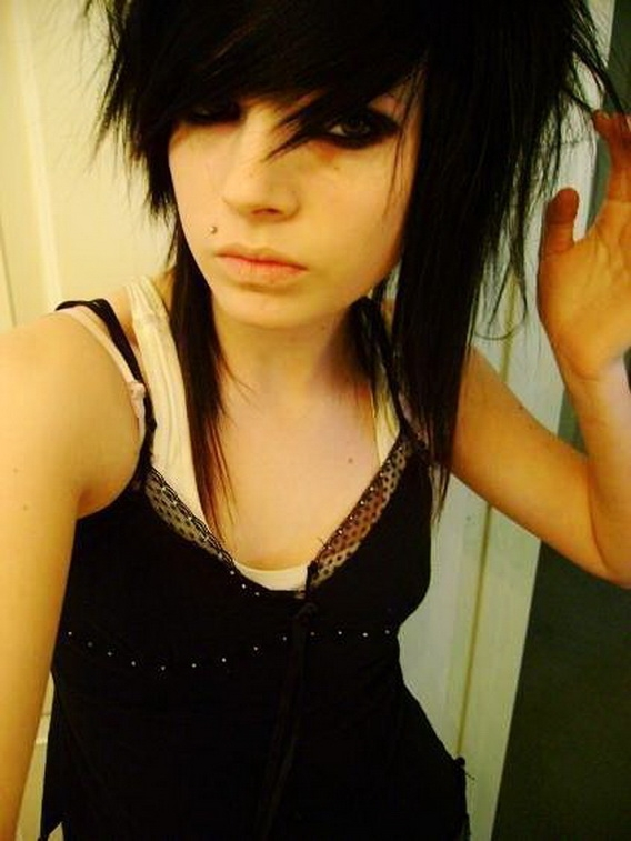 Emo Haircuts For Girls With Medium Length Hair Pics Of