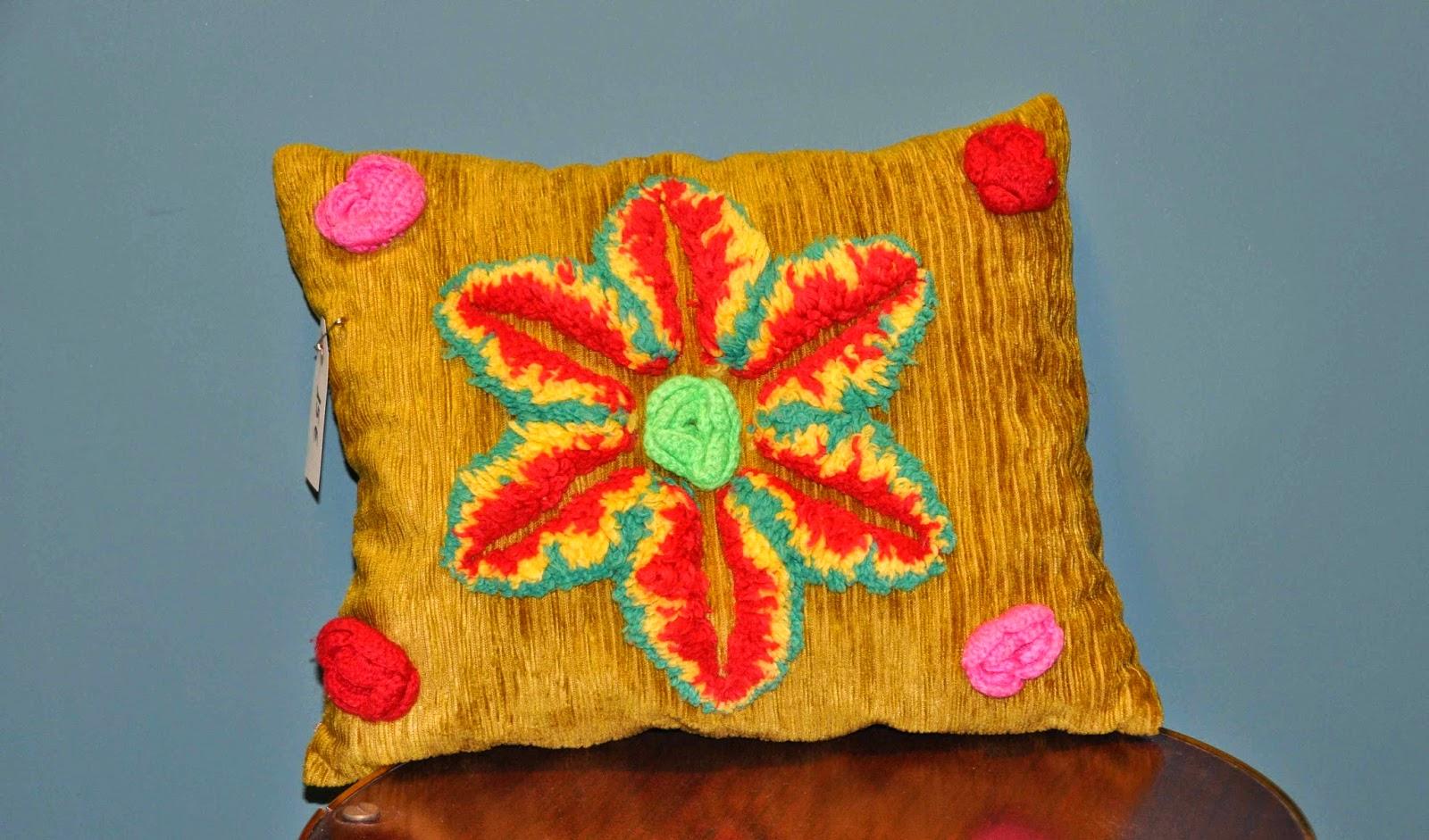Cojines de pana con bordados de lana vintage jacoboansin - Cojines de lana ...
