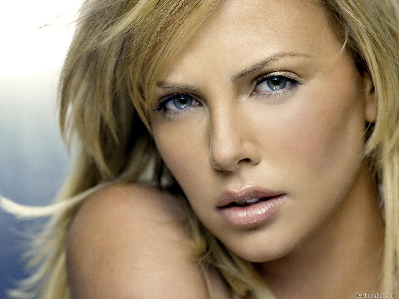 The Vern's Videovangaurd.: Charlize Theron: Sexiest ... Charlize Theron Movies