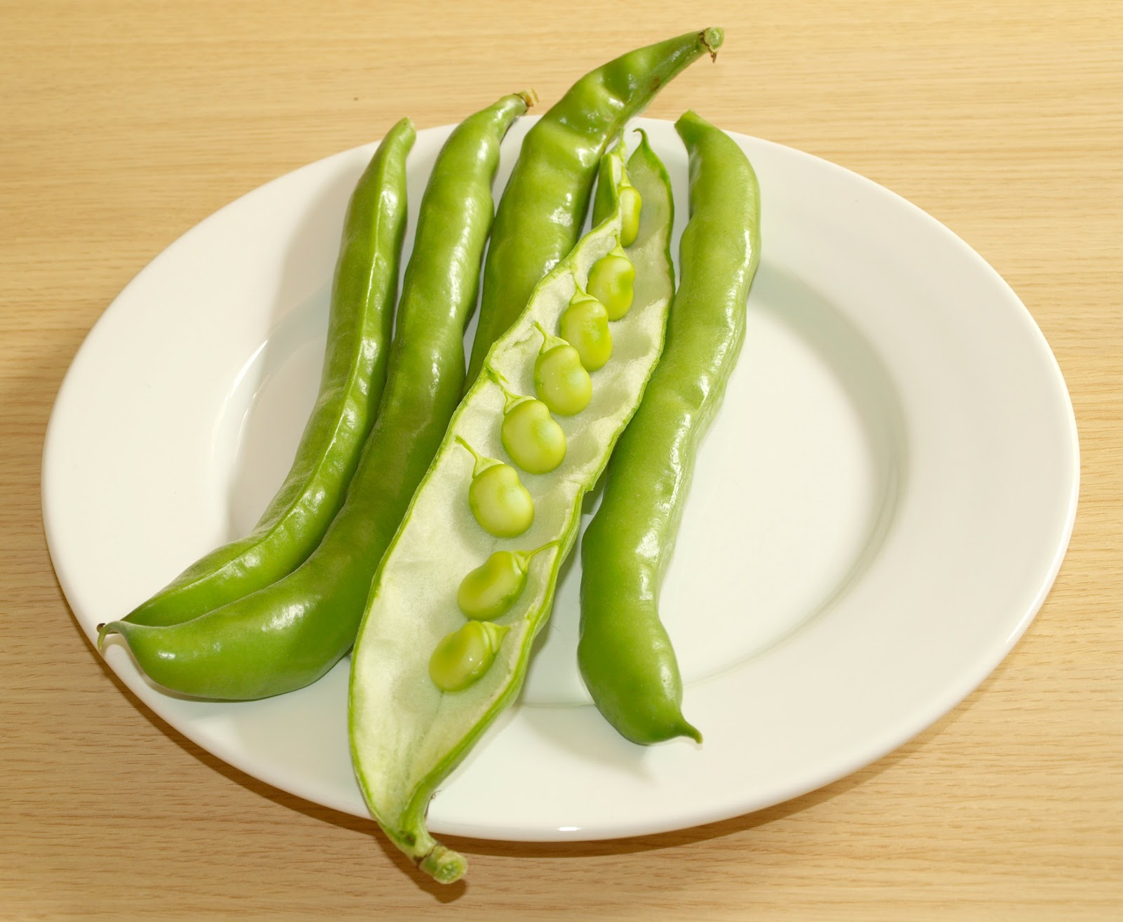 how to eat broad beans in pods