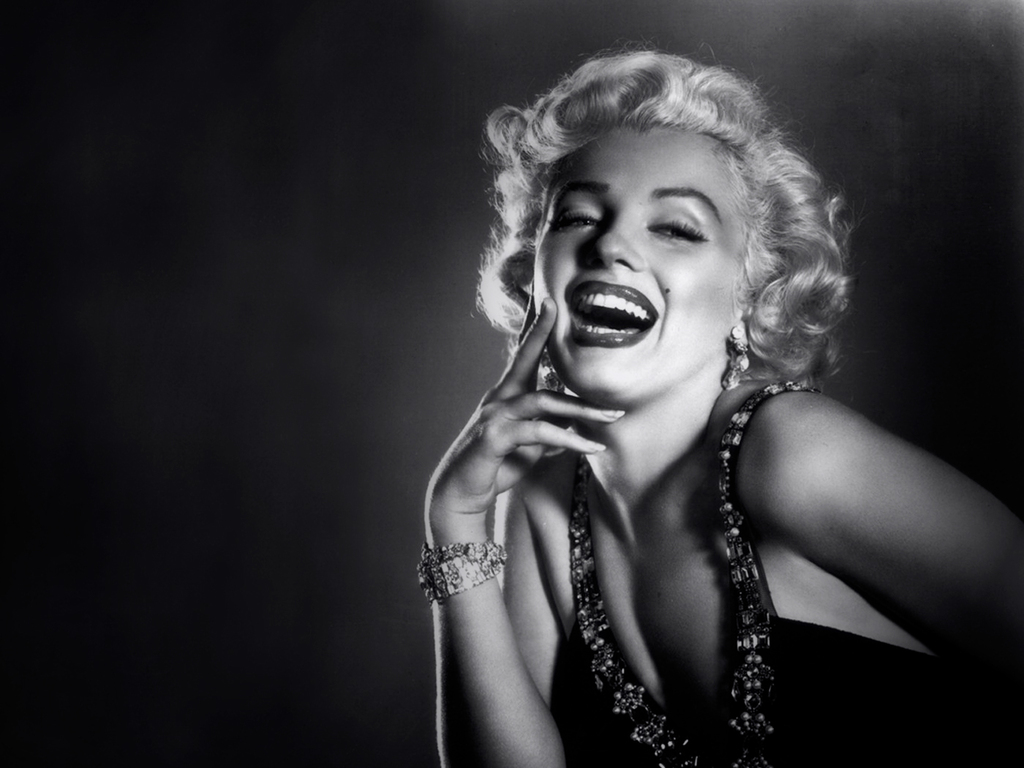 Marilyn Monroe Wallpapers - 304.5KB