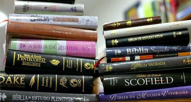 imagem bíblia de estudo