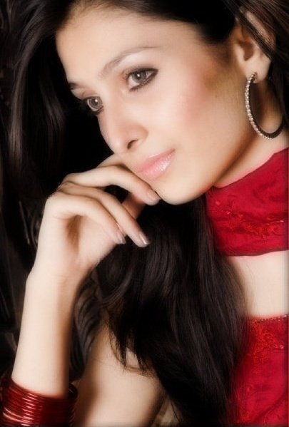 Ayeza Khan  - Hot Model Ayeza Khan Sexy Pics