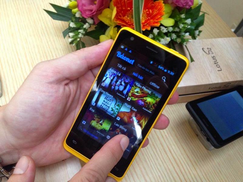 Smartphone đầu tiên của người Việt