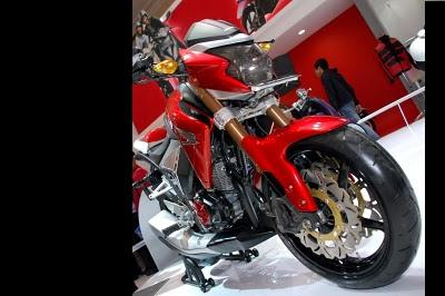 Modif New Mega Pro CB1000R Wannabe.JPG