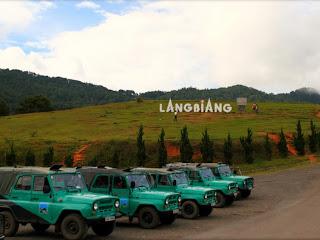 Cars Offroader in Lang Biang