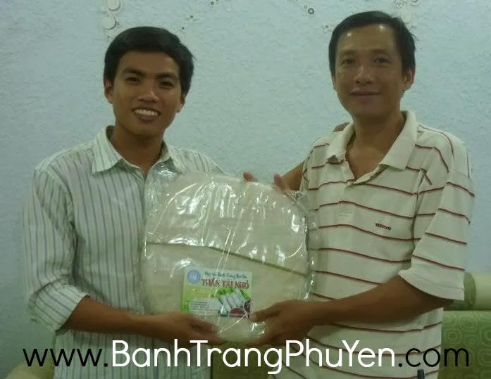 NGUYEN-THANH-LONG-giao-banh-trang-Hoa-Da-cho-anh-TRUONG-LAM-SON
