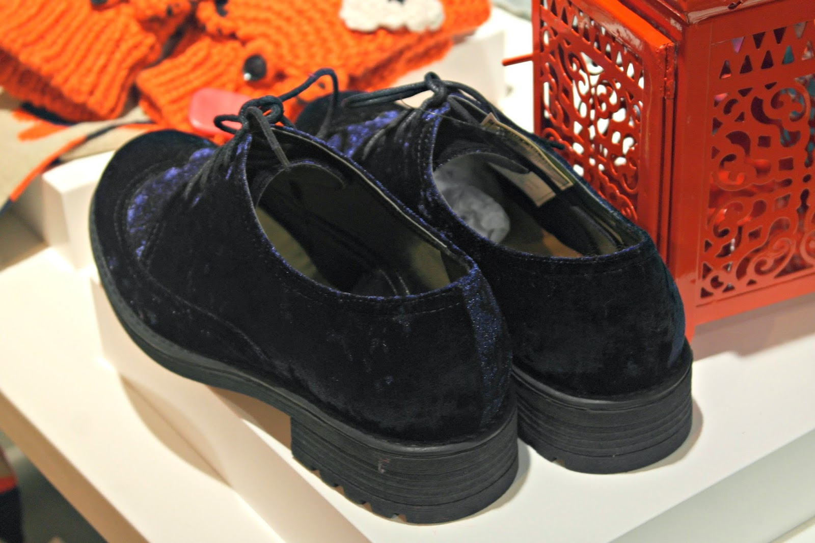 Henryb Holland velvet shoes