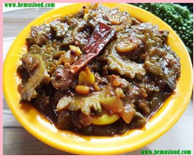 Kakarakaya Pulla Bellam Kura-Bitter Gourd Jaggery Stew
