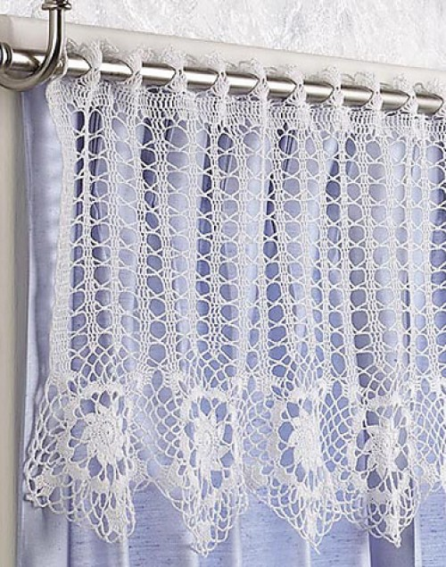Star Flowers Valance - Free Pattern
