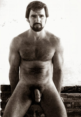 Pictures Of Burt Reynolds In The Nude 52
