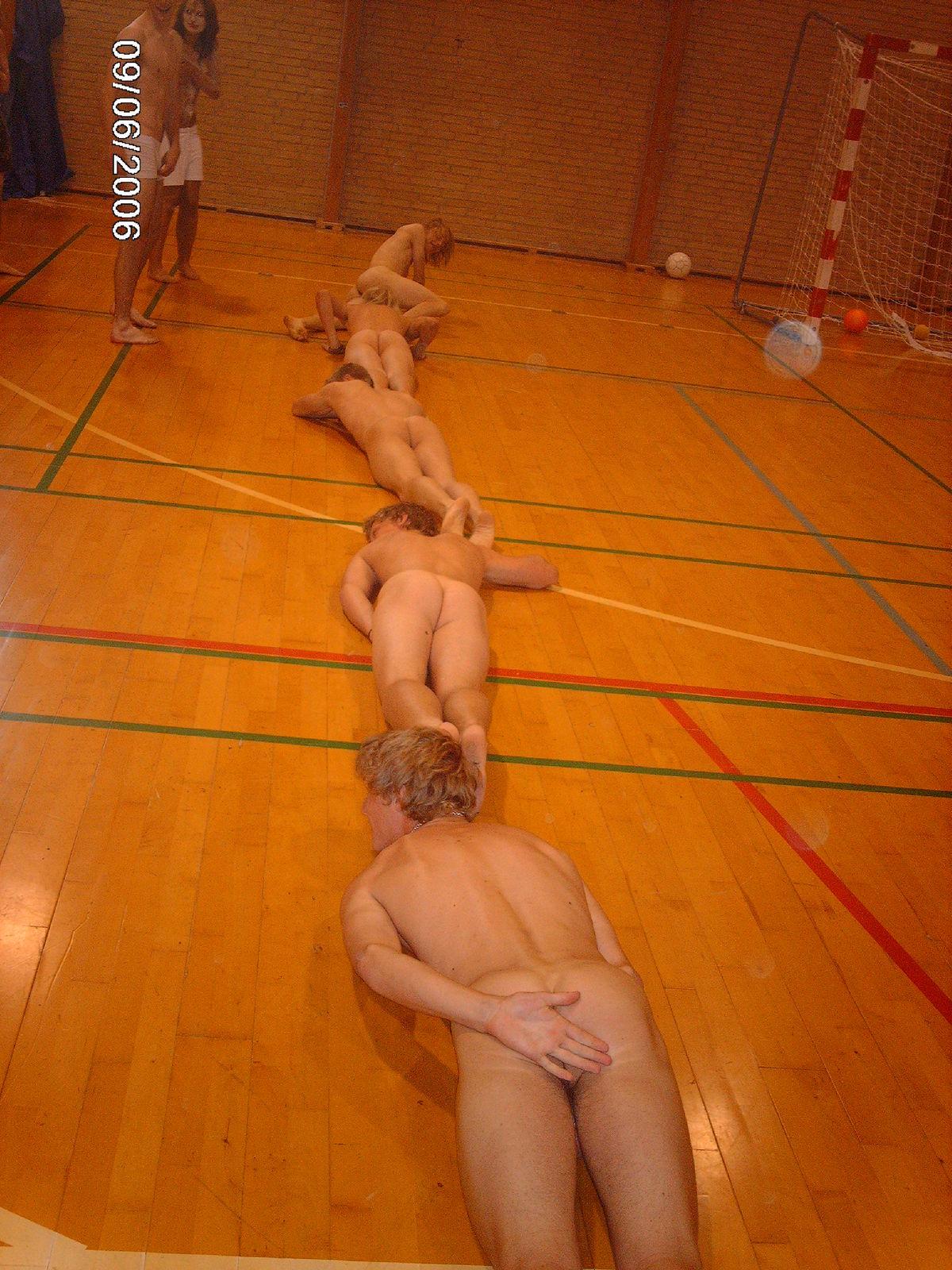 Nude Straight Guys - Photos