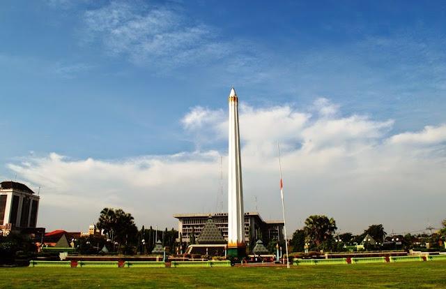 Tugu Pahlawan - Daftar 5 Tempat Wisata untuk Liburan di Surabaya