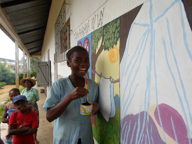 Madagascar mural, madagascar malaria prevention, peace corps madagascar, stomp out malaria, murals for development