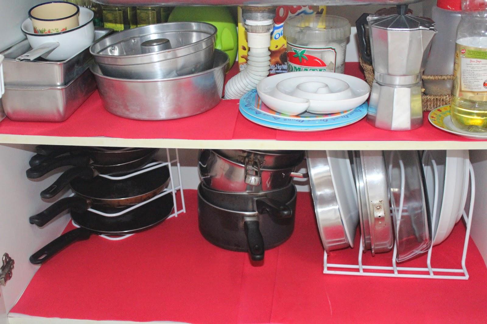 organizando armarios da cozinha com acessórios