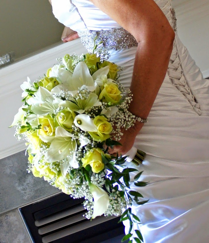 http://jaunefleurflowers.com/weddings/