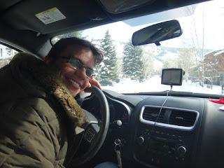 dirigindo na neve em aspen, colorado