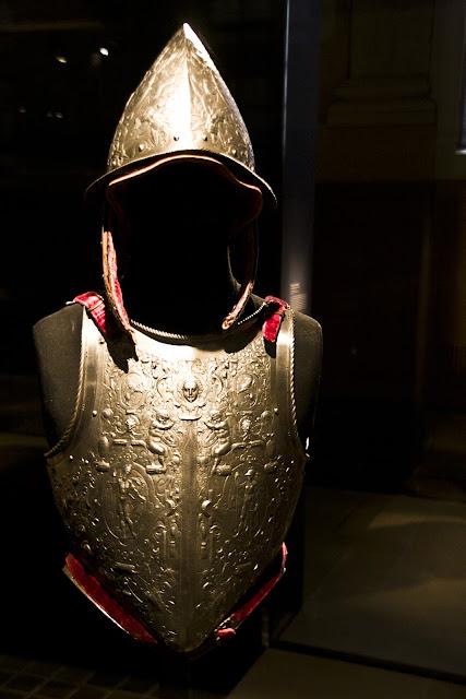 Cone head armor Les Invalides