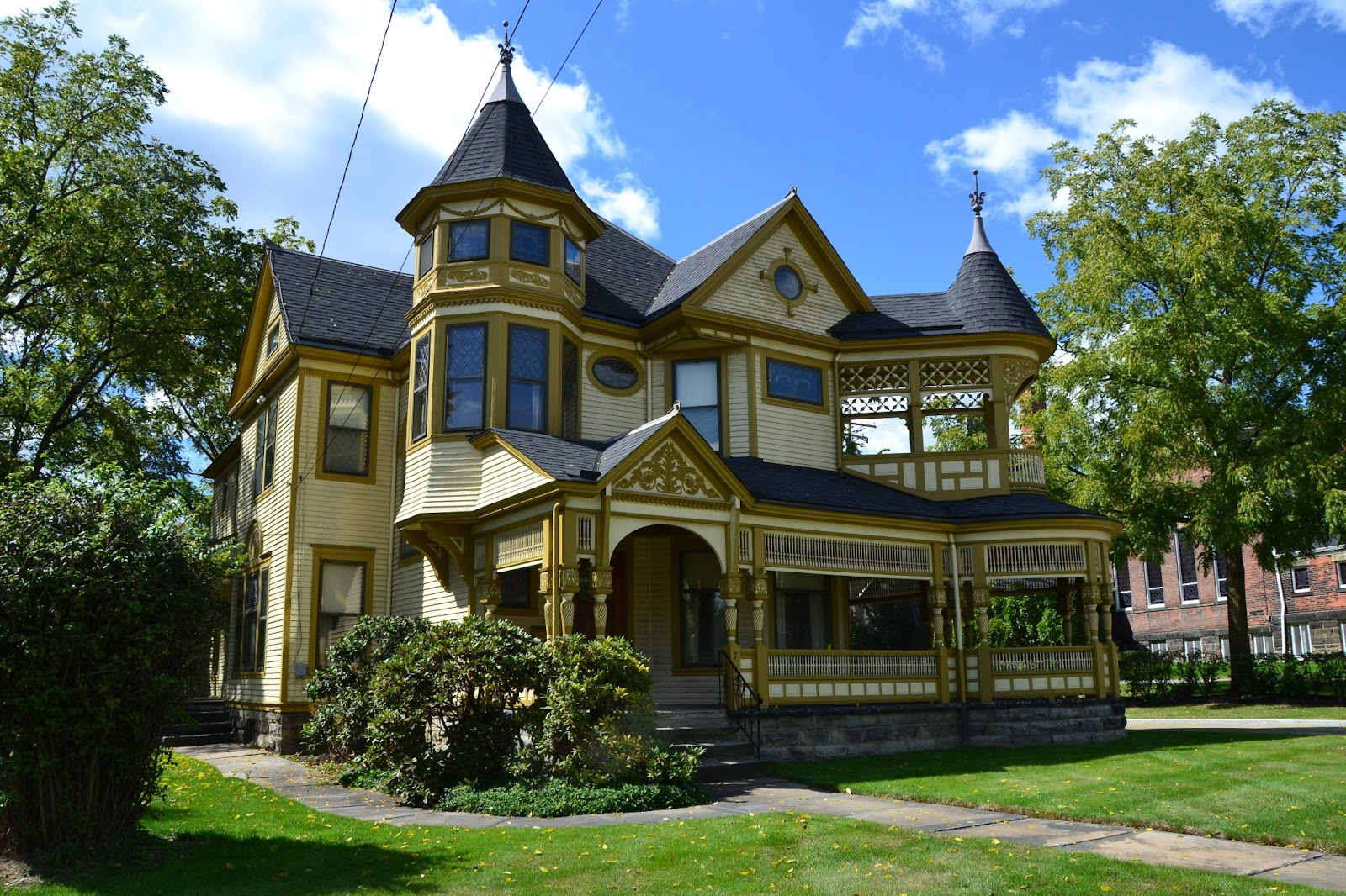Jim 39 s posts queen anne style house for Queen anne style