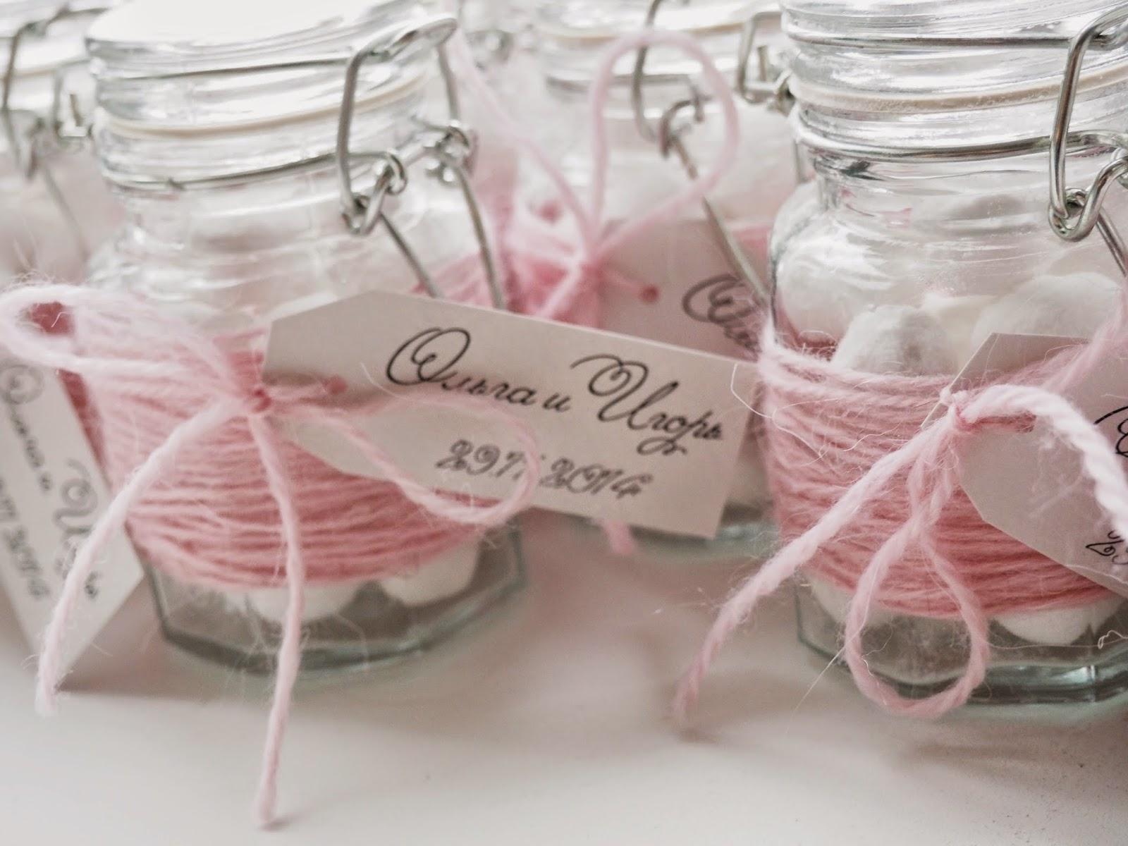 Розовые подарки на свадьбу 38