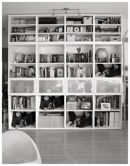Foto en blanco y negro  de la librería Billy, de Pablo Basagoiti