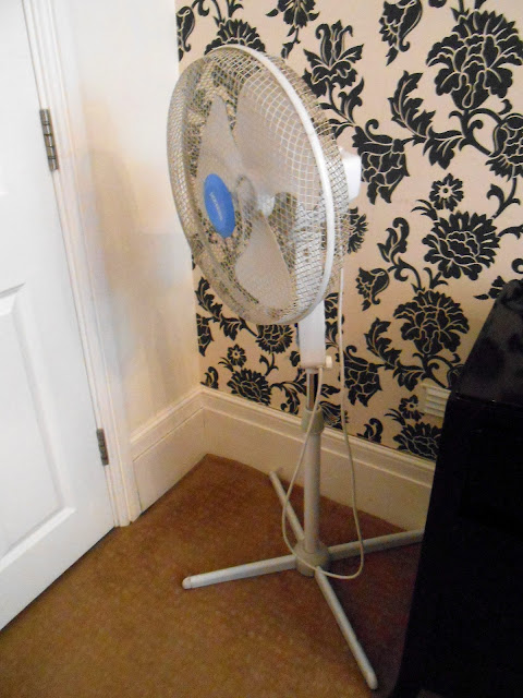Tophams Hotel  London  Broken Fan  Not 4 Star