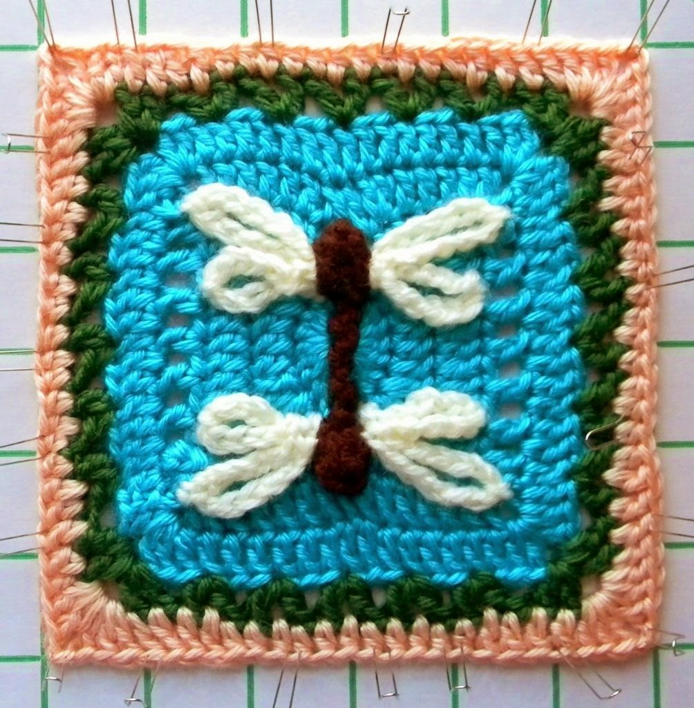 Free crochet pattern - Reflected Dragonfly Granny