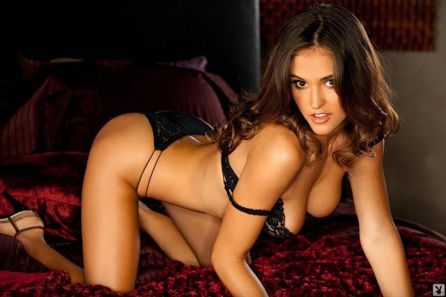 Jaclyn Swedberg Sexy in Lingerie