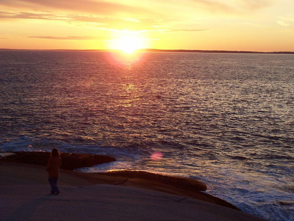 http://3.bp.blogspot.com/-PRv0kaS68GM/UKIq4SuyWGI/AAAAAAAAKB4/DrvsAzi3t5U/s1600/Nova+Scotia+Bright+Sun+Wallpaper.jpg