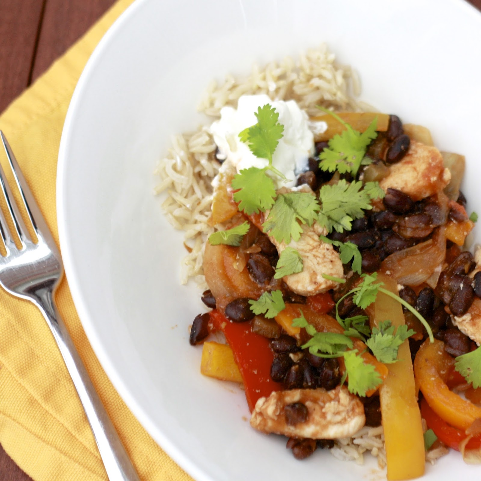 Chicken and Black Bean Fajita Stir Fry | The Sweets Life