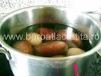 Salata orientala preparare reteta - cartofii si ouale la fiert