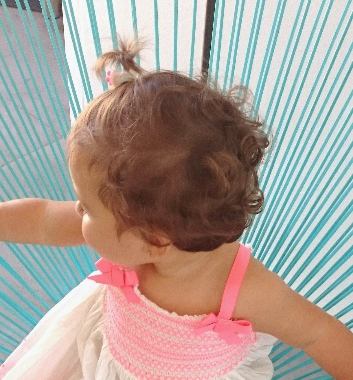 Mi bebe tendra el pelo rizado