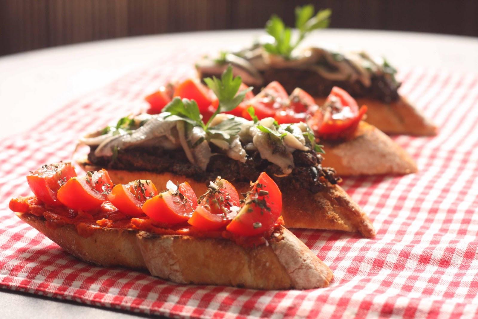 Igloo cooking tostas de olivada con boquerones en - Boquerones en vinagre duros ...