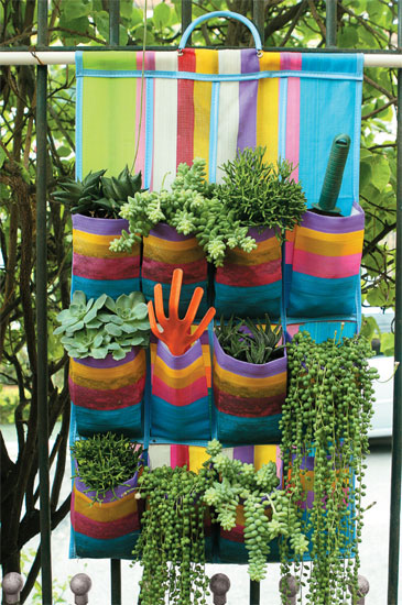mini jardim vertical:Creative Small Space Gardening