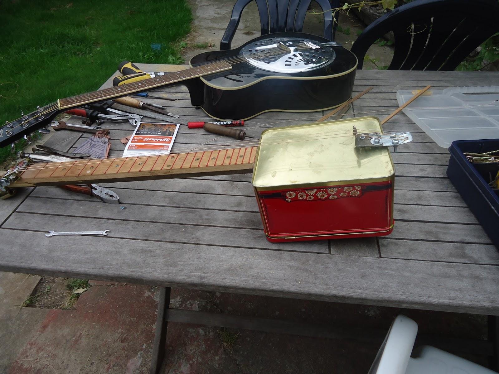 Présentez-nous vos Cigar Box Guitare DSC02077