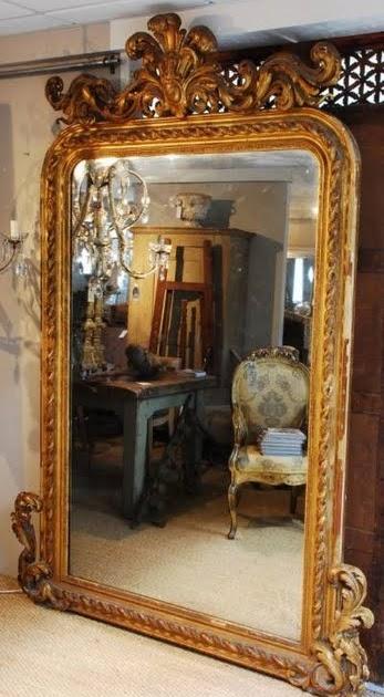 No doors i need a mirror badly for I need a mirror